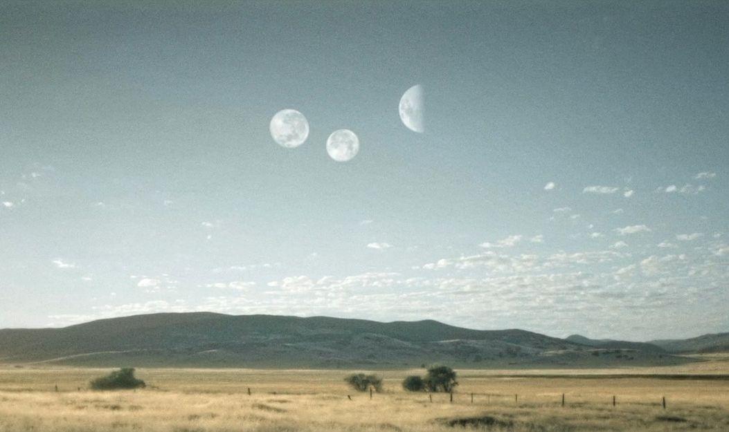Паранормальное с лунами